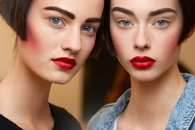 bright makeup for fall, Brown shades, Classic style, Rosy look, makeup tips